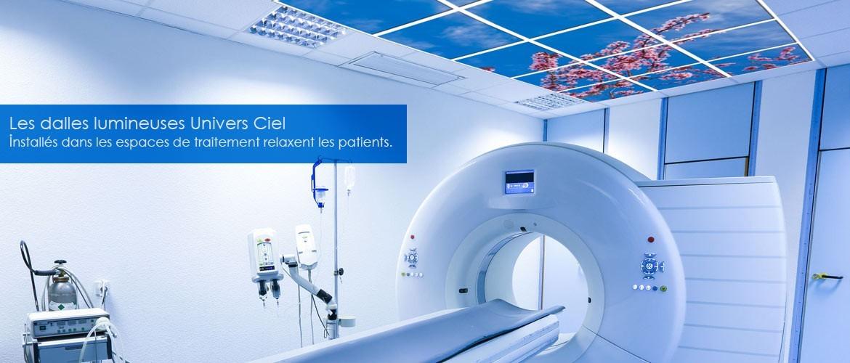 Dalles univers ciel dans un espace médical